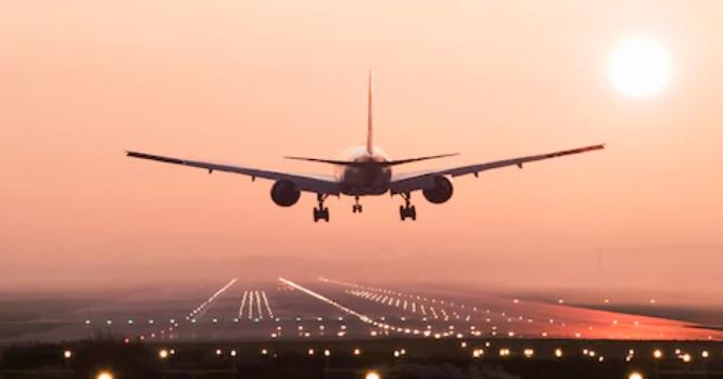 ملتان ایئر پورٹ پر جہاز کی لینڈنگ کے دوران طیارے کو خوفناک حادثہ پیش آ گیا