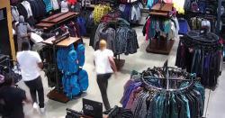 امریکا میں 30 سیکنڈ میں ملبوسات کی چوری کی ویڈیو وائرل