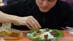 سبحان اللہ، سائنس نے ہاتھوں سے کھانے کا ایسا بے مثال فائدہ بتا دیا کہ غیر مسلم بھی اس سنت نبوی صلی اللہ علیہ وآلہ وسلم کی پیروی پر مجبور ہو گئے