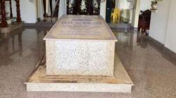 ویتنام کا بنگلا جو اپنے لیونگ روم کے مقبرے کی وجہ سے ملک بھر میں مقبول ہے