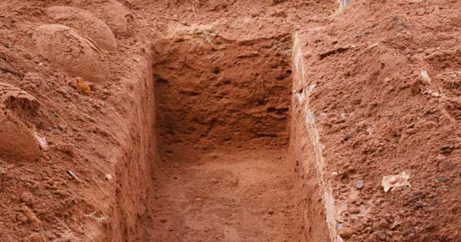 کراچی شہر میں موجود ایک قبر جس میں سے اذان اور تلاوت کی آواز آتی ہے