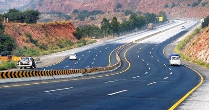 چین نے پاکستان کی سب سے طویل موٹروے کی تعمیر مکمل ہونے کا اعلان کردیا،