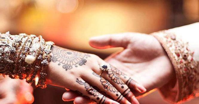 ایک شادی شدہ مرد زیادہ سے زیادہ کتنی مدت تک بیوی سے دور بیرون ملک قیام کر سکتا ہے