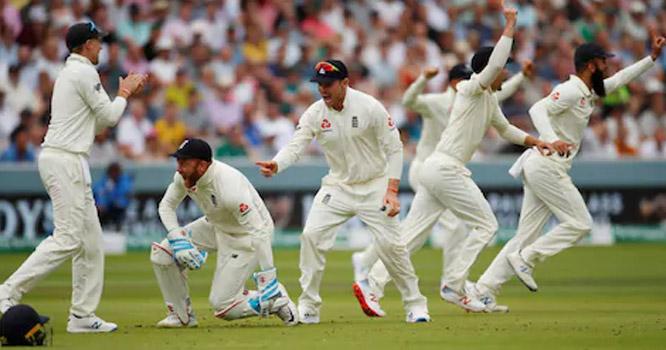 انگلینڈ نے آئرلینڈ کو نصف سینچری بھی مکمل نہ کرنے دی، ٹیسٹ کرکٹ کی تاریخ کی بدترین شکست دے دی