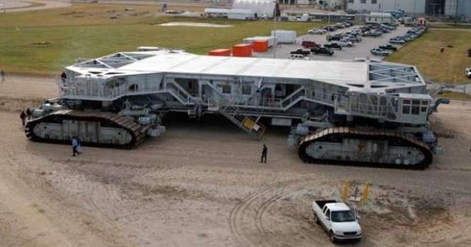 کرالر ٹرانسپورٹر۔ 50 سالوں سے ناسا کے بوجھ اٹھانے والی حیرت انگیز گاڑی