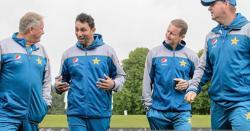 قومی ٹیم کے ہیڈ کوچ مکی آرتھر سمیت چاروں کوچز کو عہدے سے فارغ کرنے کا حتمی اعلان کر دیا