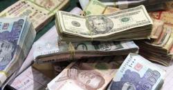 ملک بھر میں روپے کے مقابلے میں ڈالر کی قدر مسلسل گرتی جا رہی ہے