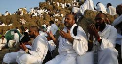 حج کے رکن اعظم وقوف کیلئے لاکھوں عازمین کی میدان عرفات آمد