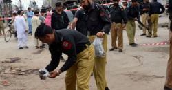 ڈیرہ مراد جمالی میں دستی بم حملہ ، 2 اہلکاروں سمیت 6افراد زخمی