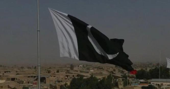پاک افغان سرحد پر 104 فٹ بلند سبز ہلالی پرچم لہرا دیا گیا