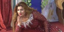 معروف اداکارہ کشمیری عوام اور پاک فوج سے اظہار یکجہتی کیلئے واہگہ بارڈر پہنچ گئیں
