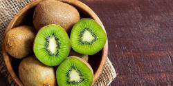 کیوی پھل، لذت، غذائیت اور افادیت سے مالامال فروٹ