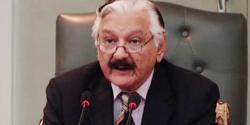 حکومت کا چیف الیکشن کمشنر کیخلاف ریفرنس دائر کرنیکا فیصلہ، جانتے ہیں سردار رضا پر کیا الزام لگایا گیا؟