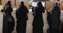 بھارت میں ہندو انتہا پسندی اپنے عروج پر ہے ، برقع پوش مسلمان لڑکیوں کا کالج میں داخلہ بند