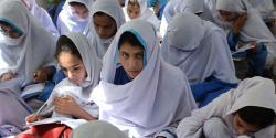 پاکستان کا وہ ضلع جہاں کے تمام سرکاری سکولوں کی طالبات کو عبایا پہننے کا حکم ،یہ اقدامات کیوں اٹھایا گیا؟پڑھئے تفصیلات