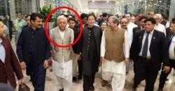 وفاقی وزیر ہوا بازی غلام سرور خان اپنی اہلیہ کی ایسی چیز ساتھ لے آئے کہ نیو اسلام آباد ایئر پورٹ پر انہیں روک لیا گیا