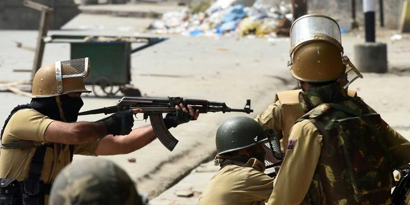 مقبوضہ کشمیر میں حالات خوفناک ،آر ایس ایس کے بعدشیو سینا کے غنڈے بھی اب وادی میں آگئے