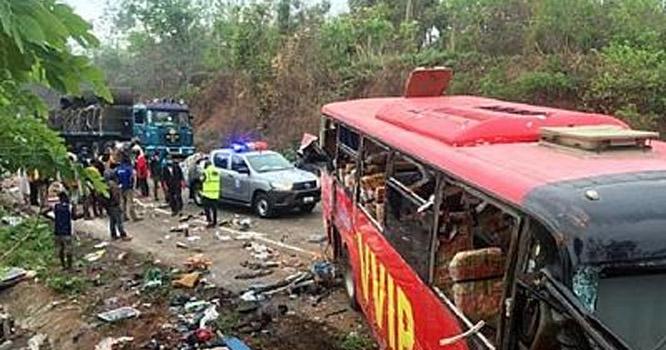 مالی، مسافر بس بارودی سرنگ سے ٹکرا گئی، 14 افراد جاں بحق