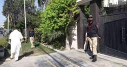 کراچی میں باپ بیٹے کے قتل کی تفتیش نے پولیس کو بھی چکرا کر رکھ دیا