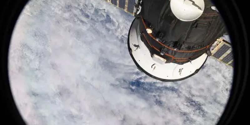 اماراتی خلانورد کی خلاء سے بھیجی گئی زمین کی تصویر