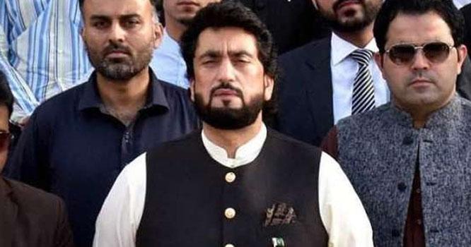 وفاقی وزیر شہریار آفریدی کے گھر میں صف ماتم بچھ گئی