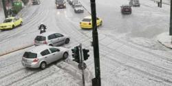 یونان : طوفانی بارشوں کے بعد ژالہ بار ی ،لوگ آسمان سے گرتی ڈھیروں برف دیکھ کر دنگ رہ گئے