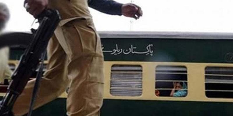 ریلوے پولیس کے کتنے ہزار اہلکار آزادی مارچ کی ڈیوٹی پر تعینات ، حیران کن انکشاف