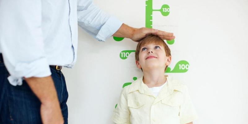 اگر آپ کے بچوں کا قد چھوٹا ہے تو پریشان مت ہوں بس یہ گھریلو ٹوٹکہ استعمال کریں اور پھر کمال دیکھیں