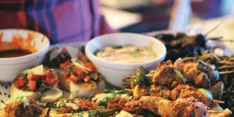 سانگلہ ہل حمید نظامی روڈ پر خان بابا ہوٹل سے زیریلا کھانا کھانے سے خاتون کی حالت غیر