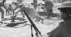 1965کی جنگ میں ایک غریب پاکستانی خاتون کے ہاتھ کی روٹیاں کھا کر پاک فوج کے جوان اللہ کا قہر بن کر بھارتیوں پر ٹوٹتے ۔۔ مائی برکتے کون تھی ؟ ایمان