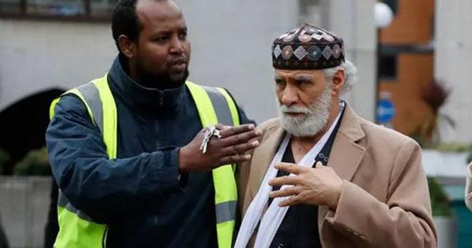 نفرت کا جواب محبت سے!!لندن کی مسجد کے مئوذن نے حملہ آور کو معاف کردیا