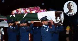 شہید ونگ کمانڈر نعمان اکرم کو سپرد خاک کر دیا گیا، جانتے ہیں نعمان کے والد کیا کام کرتے تھے ؟