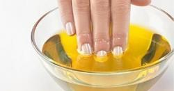 ناخن پر سرسوں کا تیل لگائیں 6 بھیانک امراض سے نجات پائیں