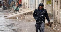 پاکستانی گرمیوں کو بھول جائیں اور مزید سردیوں کیلئے تیار رہیں ، اپریل کے ماہ میں موسلا دھار بارشیں اور برفباری ہو گی