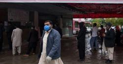 اپنے اپنے پیاروں کا پتہ کر لیں ، عرب ملک میں ایک ساتھ 8پاکستانی کرونا وائرس کی بھینٹ چڑھ گئے