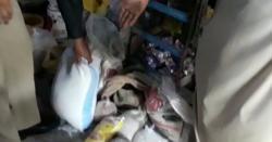 راشن جمع کرکے دوکان پر بیچنے والے کی ویڈیو وائرل
