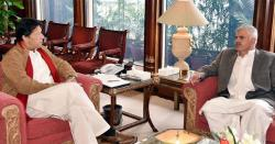 پشاور سے ایک ساتھ 4 استعفے۔۔!! حکومت کے لیے نئی پریشانی کھڑی ہوگئی