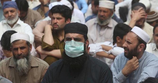 پاکستان سے کورونا کا خاتمہ ۔۔ وائرس کے پھیلاؤ میں کتنی کمی آئی ؟ طبی ماہرین کا حیران کردینےوالا انکشاف