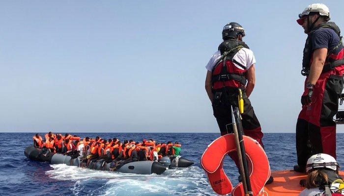 برطانیہ میں کشتیوں کے ذریعے داخل ہونے والے 200 غیرقانونی تارکین وطن گرفتار، فرانس انسانی اسمگلنگ روکنے کیلئے موثر اقدامات کرے، پریتی پٹیل