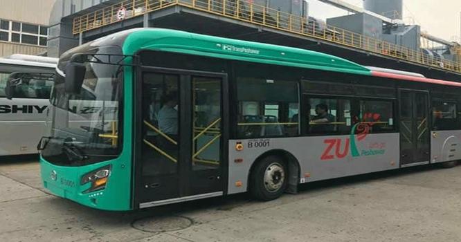 چچا چھکن نے تصویر ٹانکی  پشاور میٹرو بس منصوبہ دنیا کا سب سے مہنگا بس سسٹم نکل آیا ٹکٹ 100سےکم ہونے کا کوئی چانس نہیں