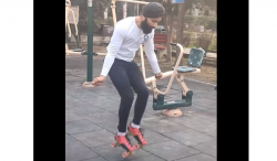 نوجوان نے سکیٹنگ شوز پہن کر 30 سیکنڈ میں 147 مرتبہ رسی کود کر عالمی ریکارڈ بنا لیا