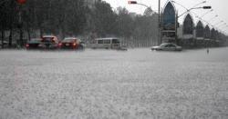 پشاور میں موسم سرما کی پہلی بارش