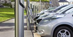 سائنس دانوں نے صرف 10 منٹ میں الیکٹرک کار کی بیٹری چارج کر لی