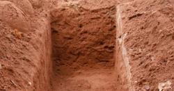 وہ اپنے بھائی کو دفنا کے پلٹا ہی تھا کہ قبر میں سے آواز آئی۔۔ ایسا خوفناک اور ناقابل یقین واقعہ جس نے میری زندگی بدل ڈالی