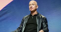 امیر ترین آدمی اور ایمازون کے مالک جیف بیزوس دفتر کس  گاڑی میں جاتے ہیں؟ کتنی گاڑیاں اور محلات کے مالک ہیں؟