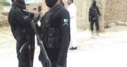 پاکستان کے اہم علاقے میں اہلکاروں کی جانب سے نوجوان کے گلے میں پٹہ ڈال کر سڑک پر گھما نے کی ویڈیو وائرل