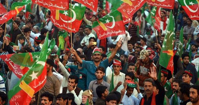 مسلم لیگ ن اور پیپلز پارٹی کی اہم وکٹیں اڑا دی،متعدد افراد تحریک انصاف میں شامل