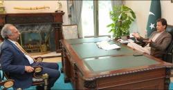 حفیظ شیخ کا وزارت سے مستعفی نہ ہونے کا فیصلہ