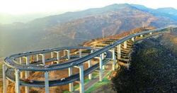 350میٹربلنداور30کلومیٹرطویل رولرکوسٹرجیسایہ تین منزلہ فلائی  اوورصرف 5ماہ میں تیار،ذہن گھمادینے والایہ پل کہاں بنایاگیا؟