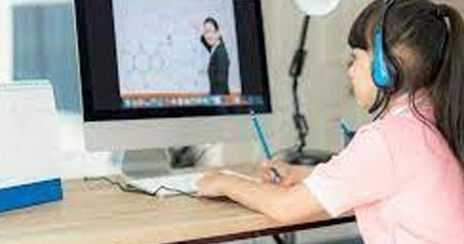 بچوں کی صحت کےلئے آن لائن کلاسز خطرہ قرار
